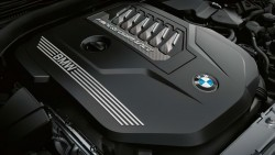 Рядный 6-цилиндровый бензиновый двигатель BMW М TwinPower Turbo.
